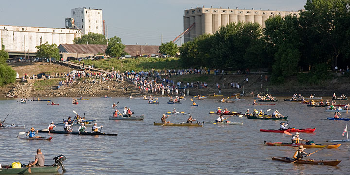 start of 2009 Missouri River 340 race